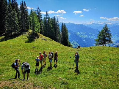 Zwerge, Waldelfen und Bergriesen - mit Märchenerzählern unterwegs